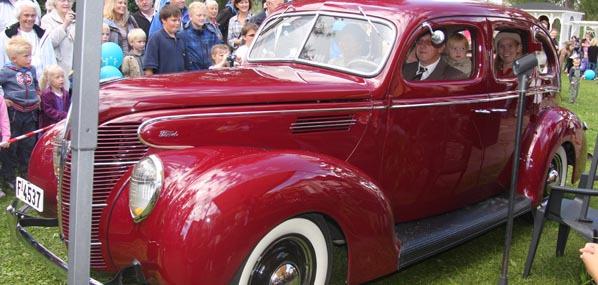 Ford Tudor Sed V8
