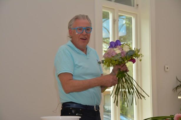 HMS-uka 2015. Blomsterhandler Finn Schjøll på besøk i Kildehuset. Holdt foredrag om livet sitt.