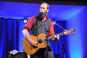 Stein Torleif Bjella holder solokonsert i Festsalen.